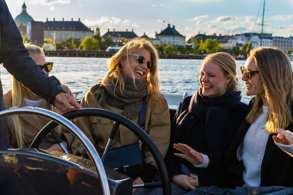 Copenhagen Canal tour - boat tour copenhagen - Hey Captain 7