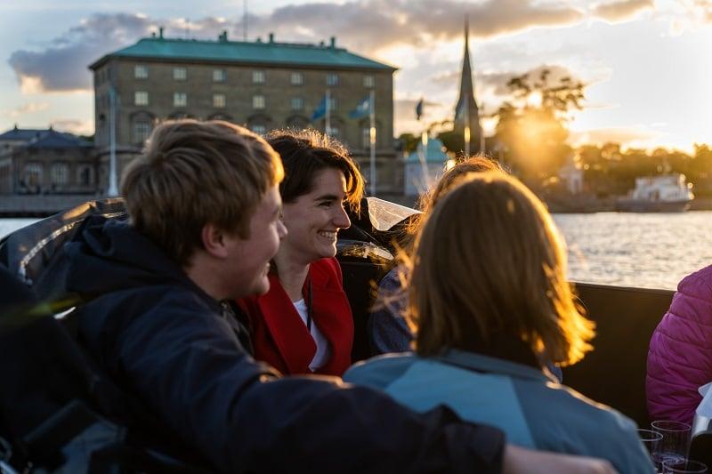 Copenhagen Canal tour - havnerundfart og kanalrundfart i københavn - boat tour copenhagen - Hey Captain 33