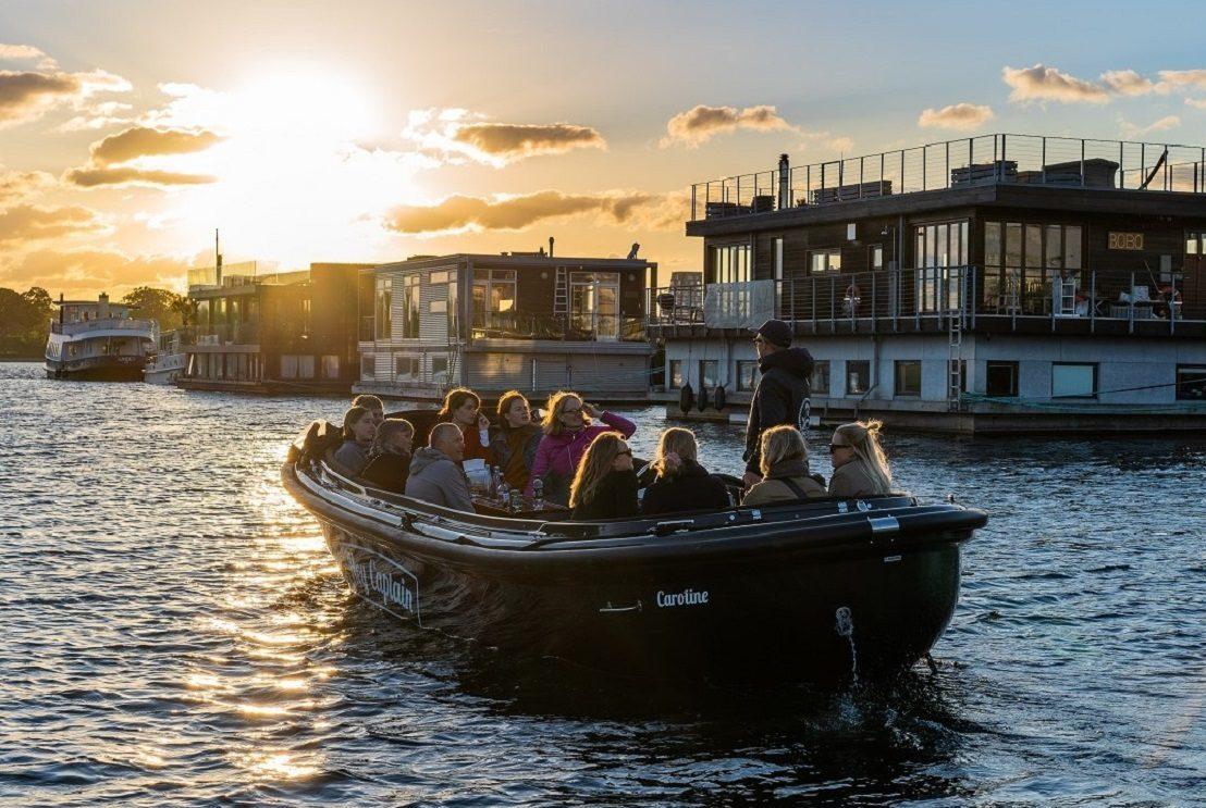 Hey Captain Copenhagen Canal and boat tour - havnerundfart og kanalrundfart i københavn