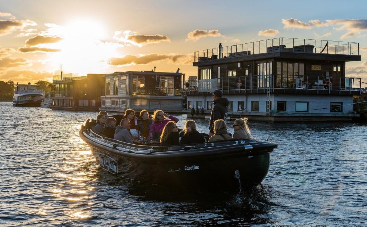 Copenhagen Canal tour - havnerundfart og kanalrundfart i københavn - boat tour copenhagen - Hey Captain 6