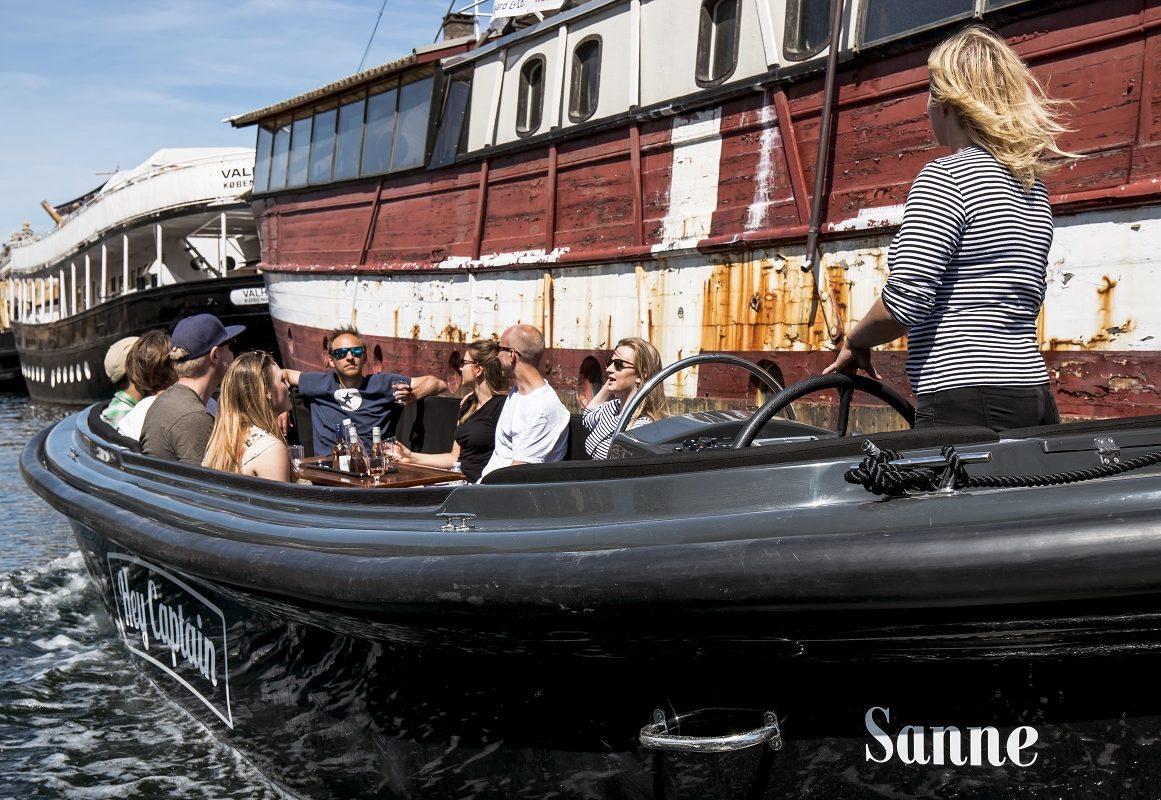 Copenhagen Canal tour - havnerundfart og kanalrundfart i københavn - boat tour copenhagen - Hey Captain 9