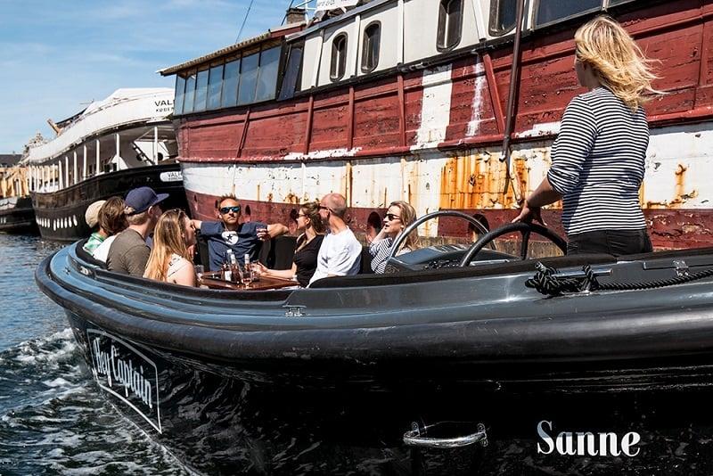 Hey Captain_Kanalrundfart_Christiansborg - copenhagen canal tour
